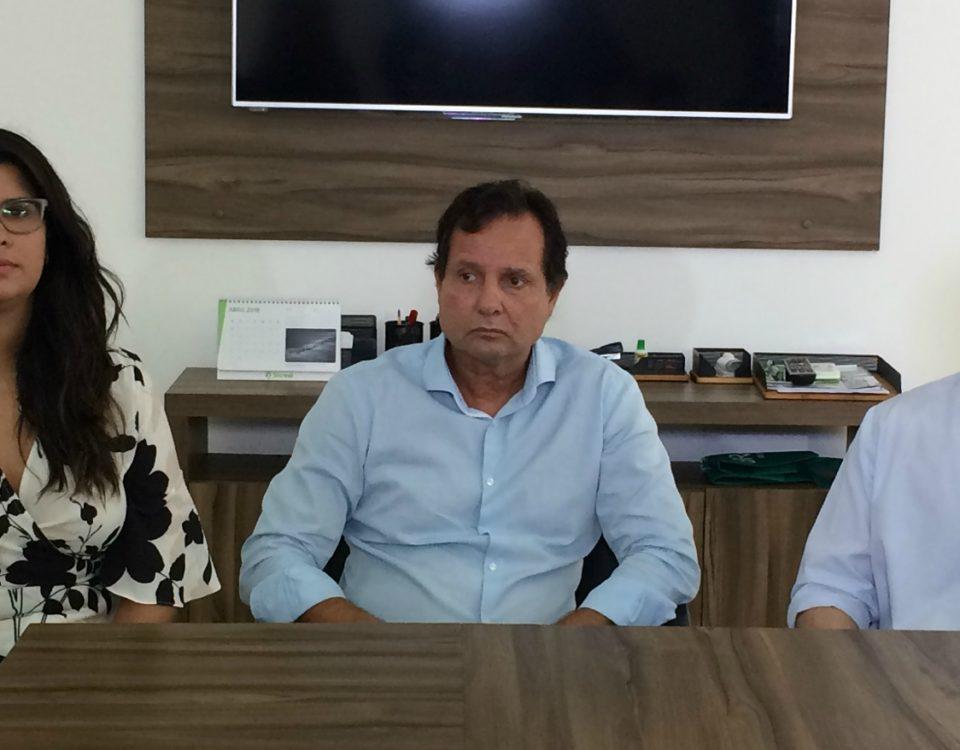 Os cirurgiões Ana Lécia Lima, Mauri Cortez e José Veríssimo - FOTO EXECUTIVA COMUNICAÇÃO